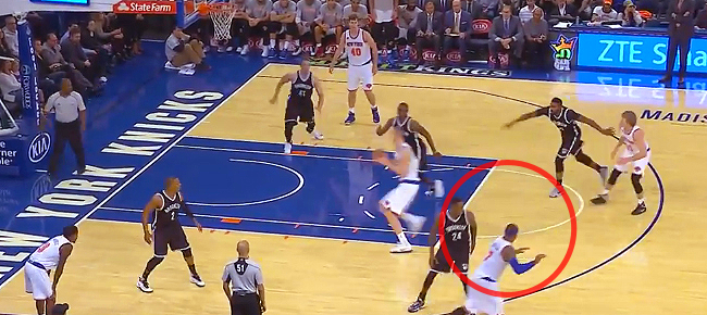 Carmelo Anthony's No Look Dish to Porzingis (VIDEO)