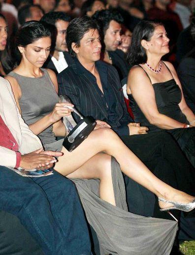 Top 15 Oops Moments of Deepika Padukone Shocking wardrobe ...