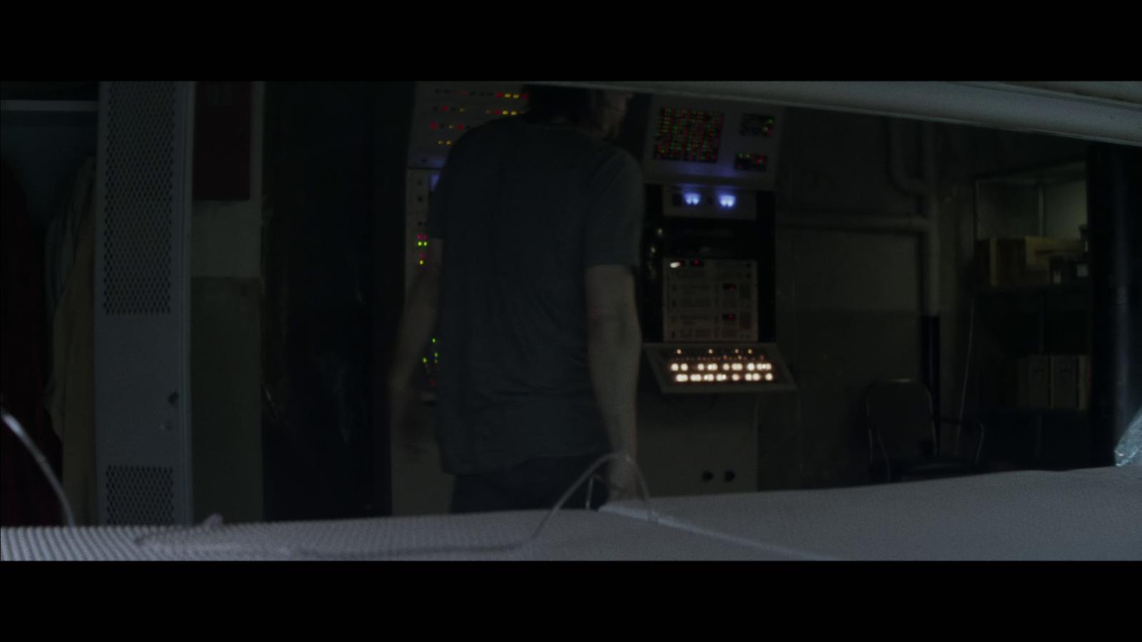Air (2015) 1080p BD25 6