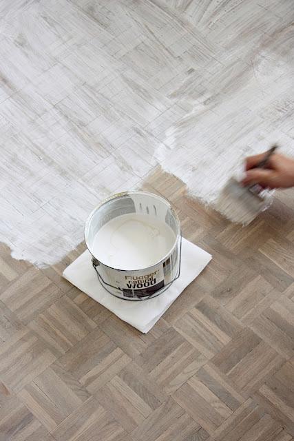 bielenie ługiem, drewniana podloga, ług