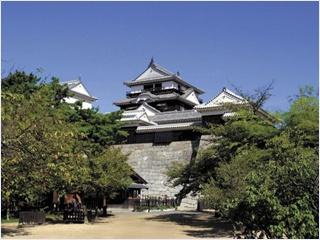 ปราสาทมัตสึยาม่า (Matsuyama Castle)