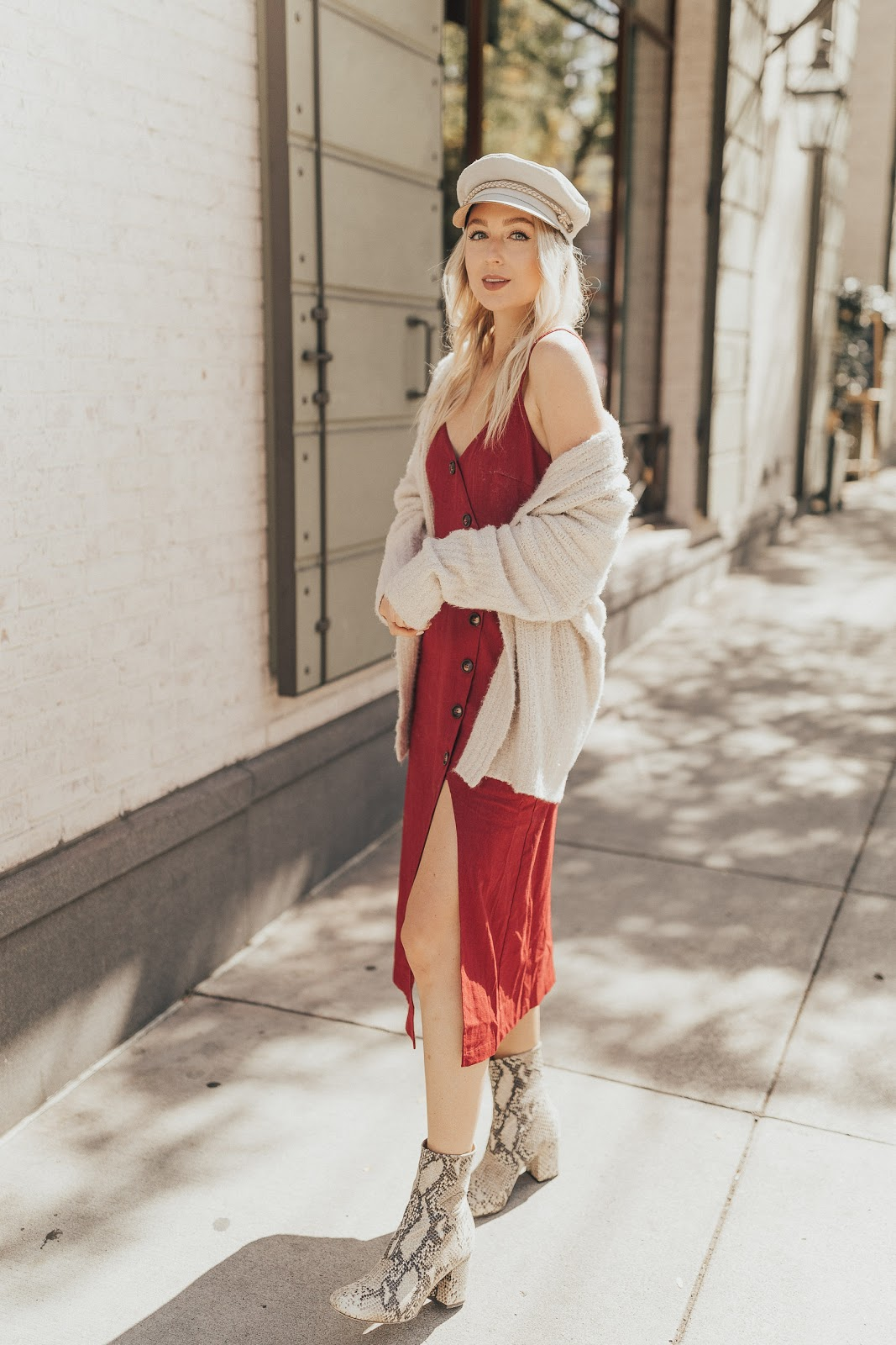 How to wear a linen dress in the fall