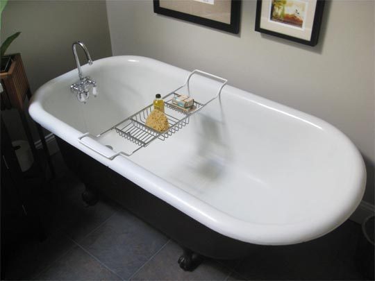How To Clean A Porcelain Bathtub Or Sink Bathroom Solution