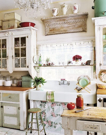 Bon This Gorgeous Farmhouse Style Sink And Glass Cabinets Are Lovely Touches In  This Country Style Kitchen