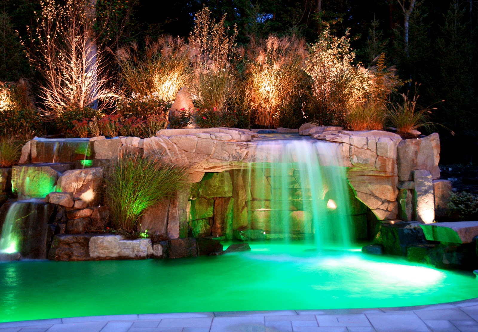 Charmant Cool Pools With Waterfalls In Houses