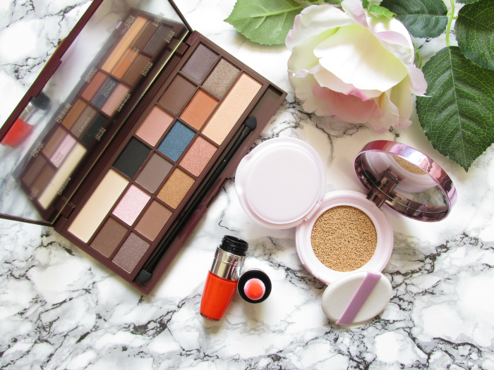 Review: L´Oréal - Nude Magique Cushion Foundation - Lancome - Juicy Shaker in Apri-Cute - Makeup Revolution - Salted Caramel Eyeshadow Palette