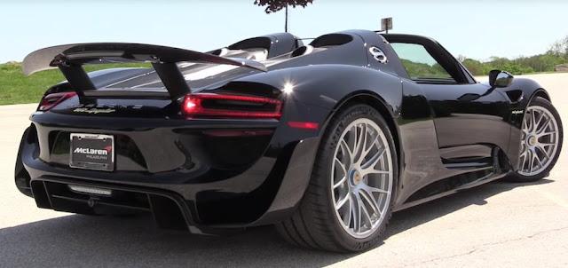 ポルシェのハイブリッドスーパーカー「918スパイダー」の詳しすぎるレビュー動画。