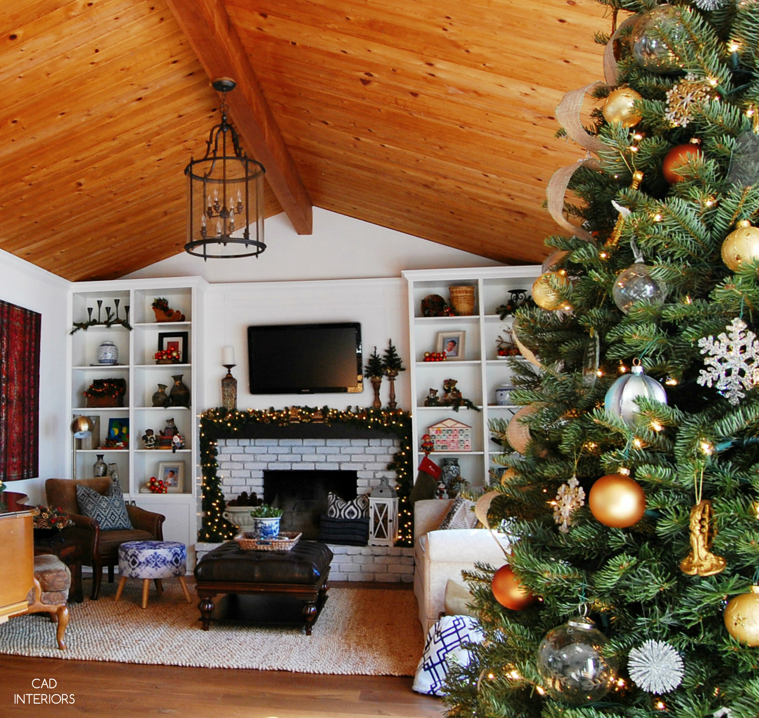 eclectic modern traditional classic holiday decorating