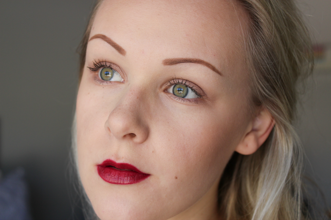 Bronzed Cheeks & Berry Lips: Autumnal Makeup | Cate Renée