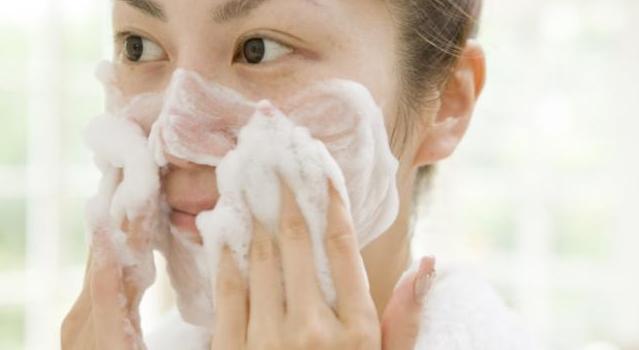 Merk Sabun Pemutih Wajah Di Apotik Dan Supermarket
