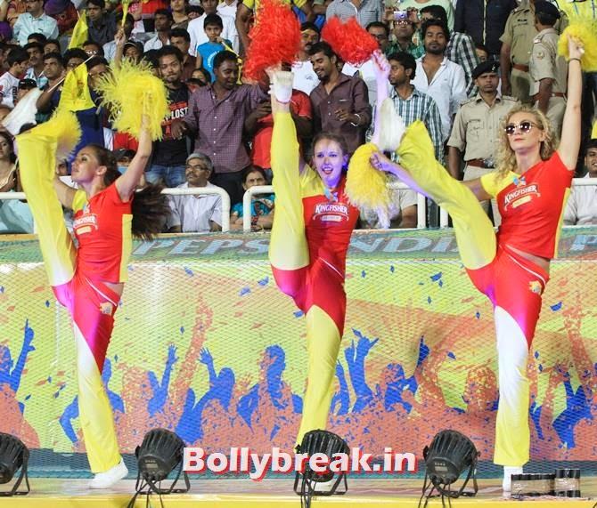 Cheerleaders of Chennai Super Kings, Which team has the sexiest cheerleaders in the IPL 7