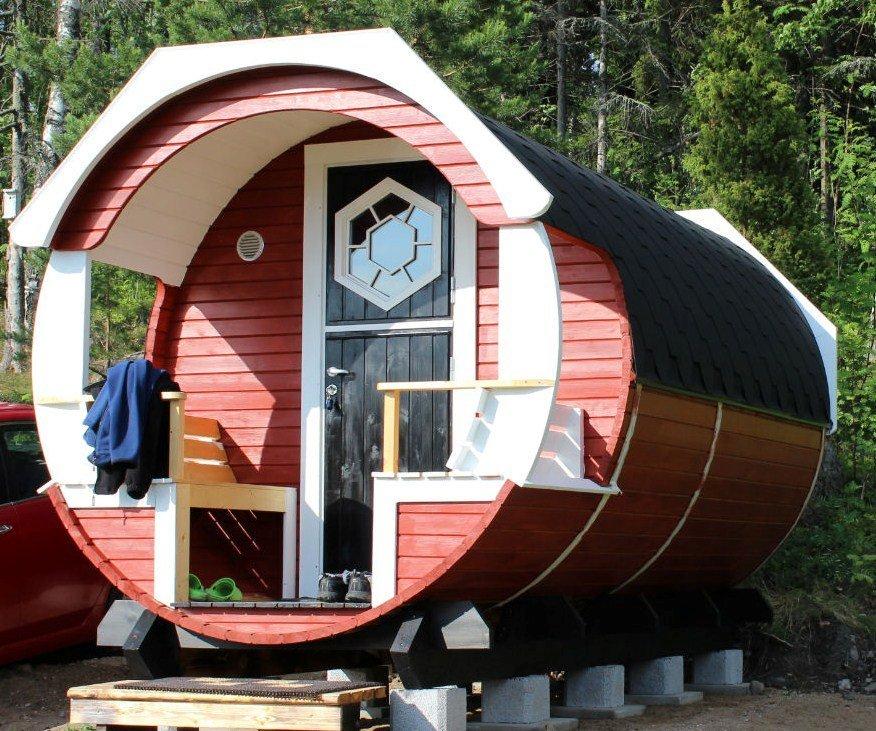 les nouveaut nouveaut le tonneau finlandais ou barrel habitation une cabane en bois. Black Bedroom Furniture Sets. Home Design Ideas
