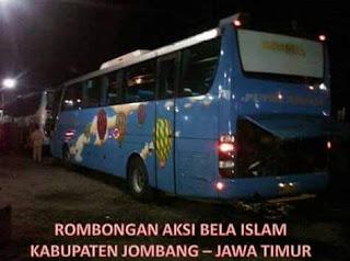 Gelombang Pendemo Aksi bela Islam II Santri dari Jombang