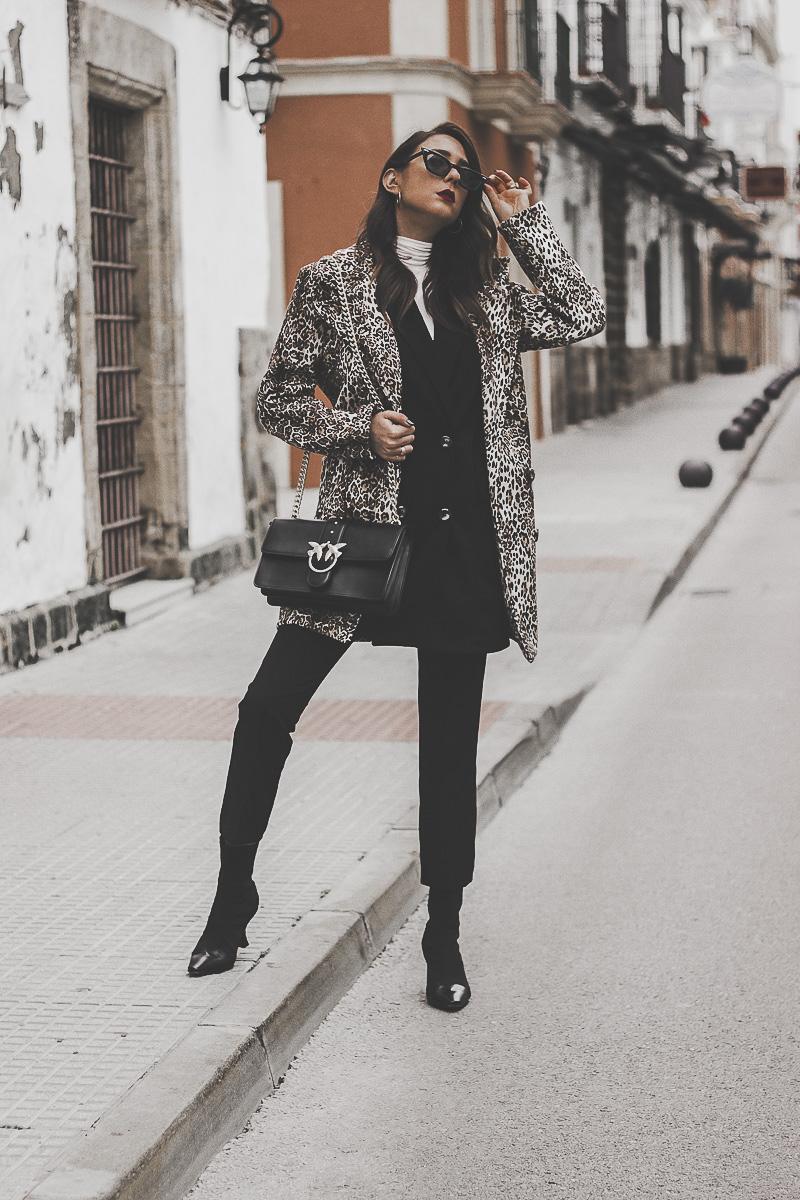 look abrigo de leopardo