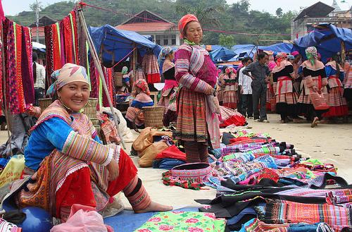 Image result for chợ huyện quản bạ