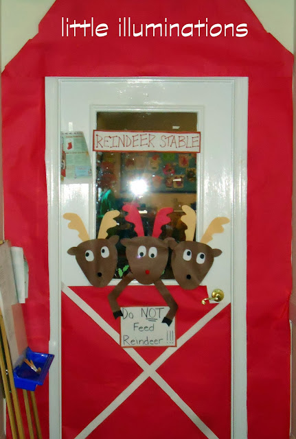 little illuminations: Reindeer Stable Door Decoration