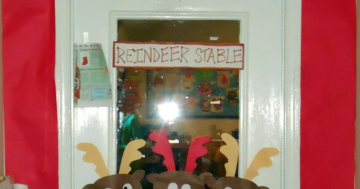 Little Illuminations Reindeer Stable Door Decoration