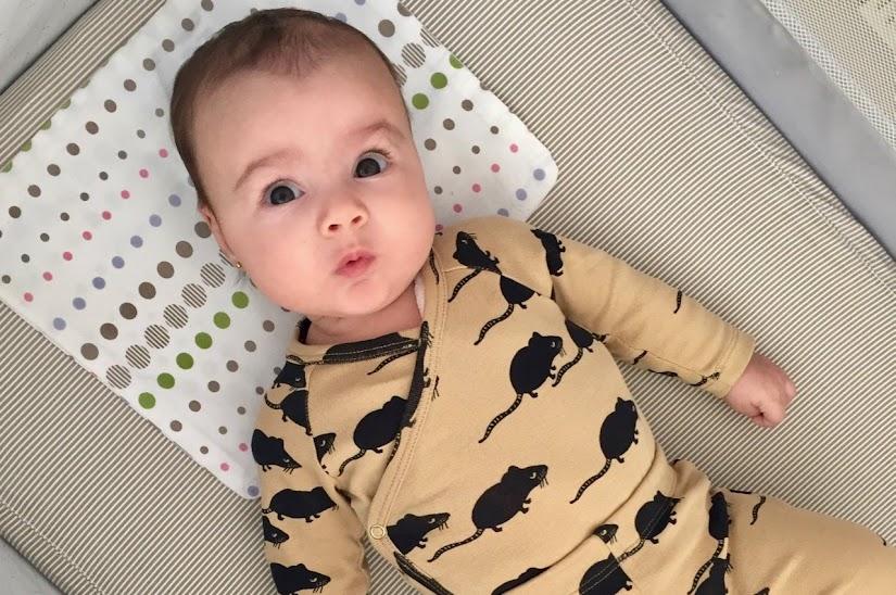 Vista de bebé con 3 meses