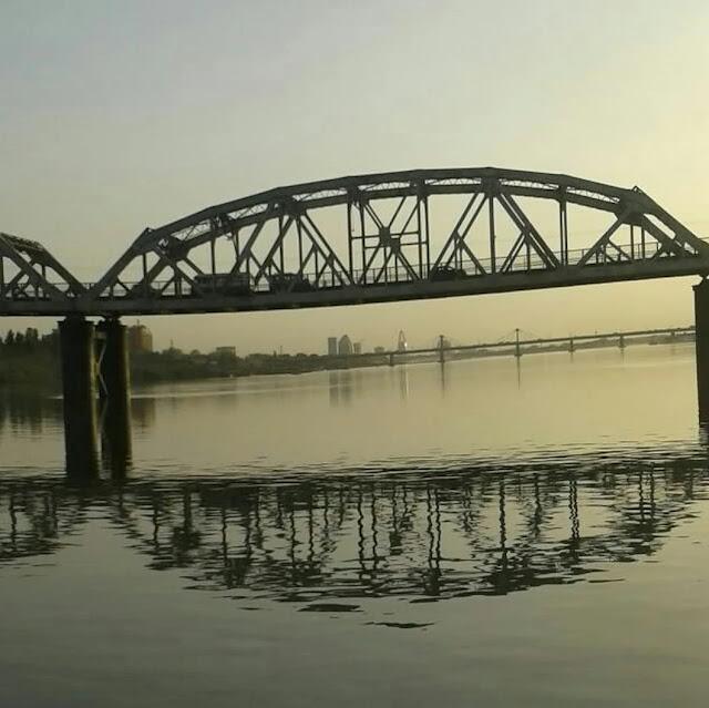 صورة لاحد جسور الخرطوم النيلية