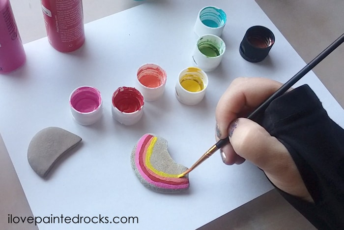 easy rock painting craft ideas with rainbows