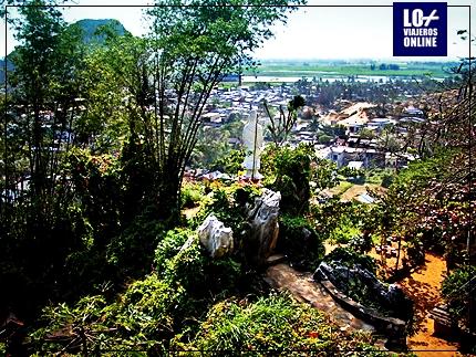 MARBLE MOUNTAINS Y LA CIUDAD DE DANANG, EN VIETNAM 6