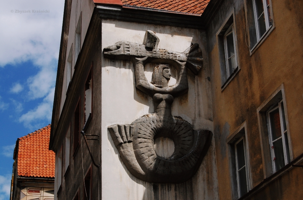 Śladami dekoracji na elewacjach kamienic olsztyńskiej starówki