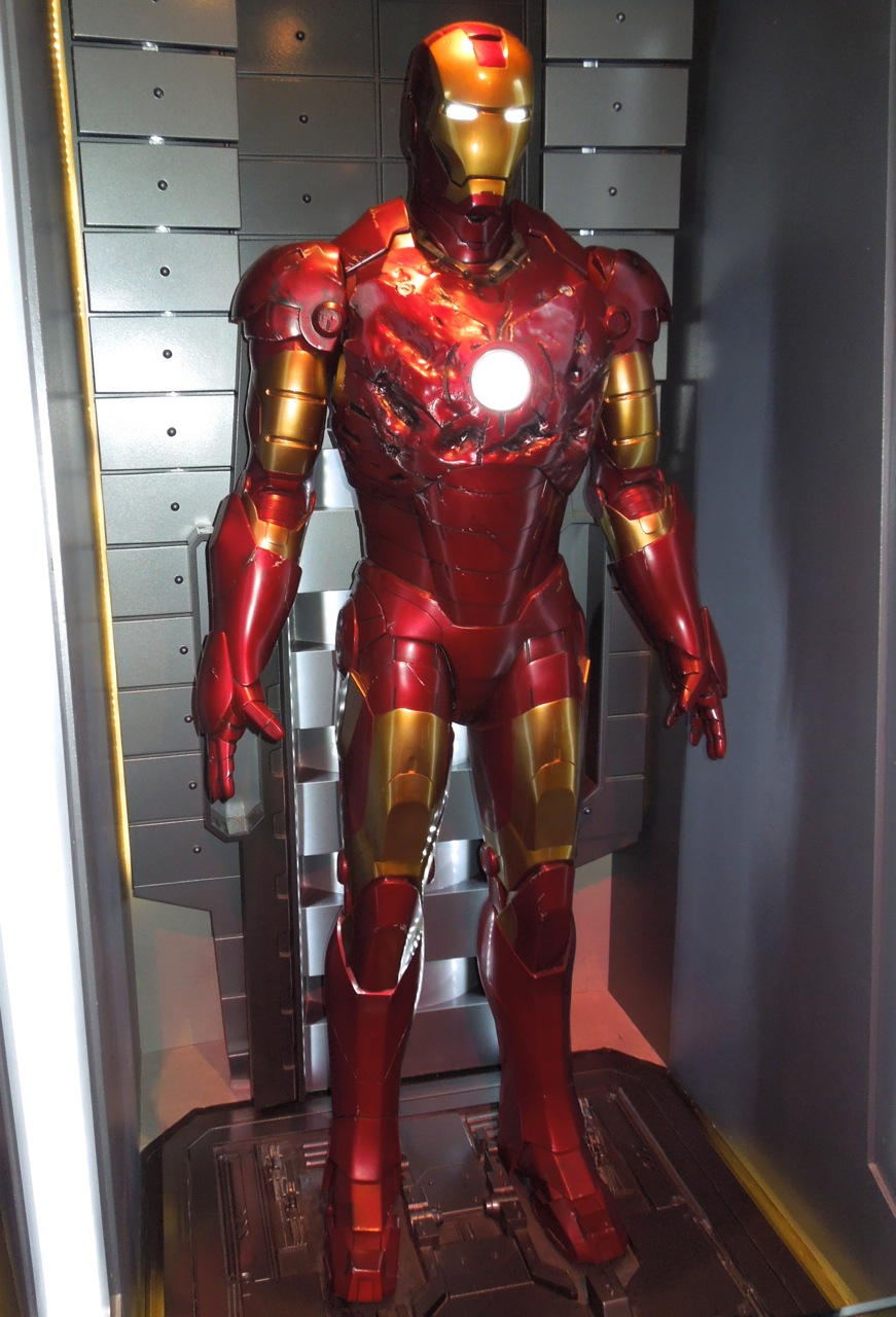 hollywood movie costumes and props battle damaged iron man mark iii suit on display original. Black Bedroom Furniture Sets. Home Design Ideas