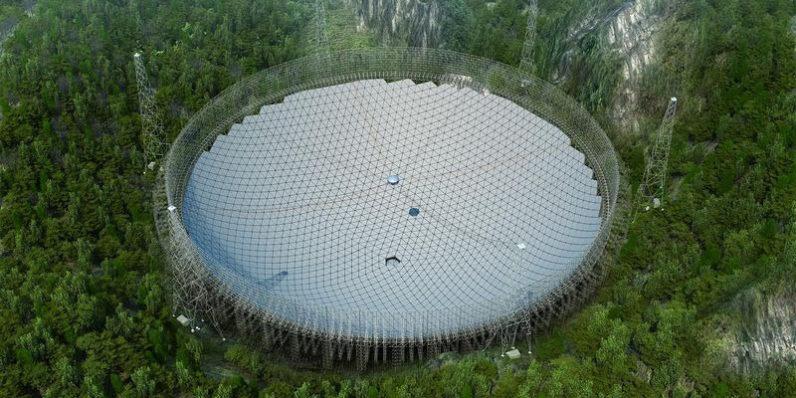 In Cina è terminata la costruzione del più grande telescopio del pianeta; cercherà vita extraterrestre | Video