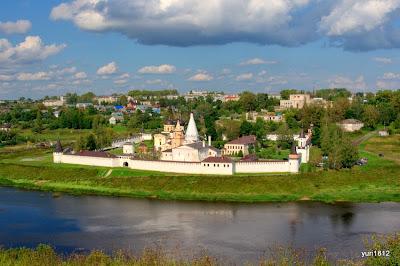 Старица. Свято-Успенский монастырь.