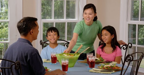 Why Family Meal Time Is So Important