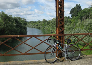 pep's bike on the Wohler Bridge above the Russian River, Forestville, California