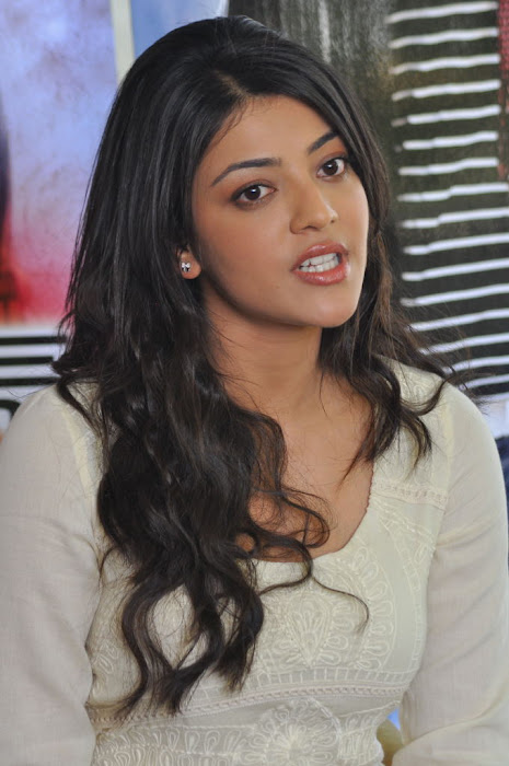 kajal agarwal at businessman pressmeet, kajal agarwal new cute stills