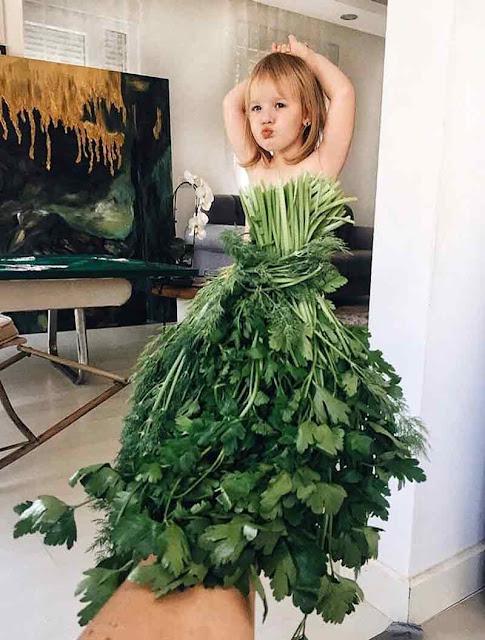 فستان للاطفال لكن لتسلية فقط