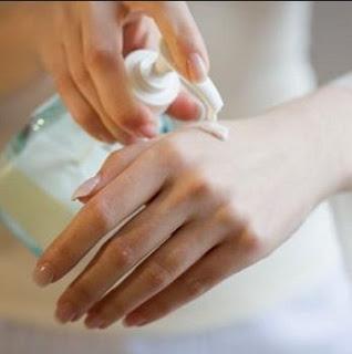 Perbedaan Susu Kambing dan Susu Sapi untuk Kecantikan