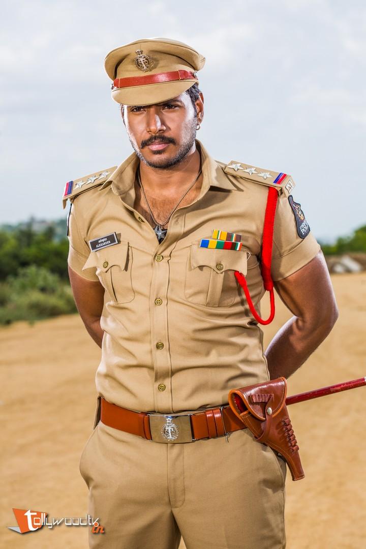 Sandeep Kishan Nakshatram Stills-HQ-Photo-3