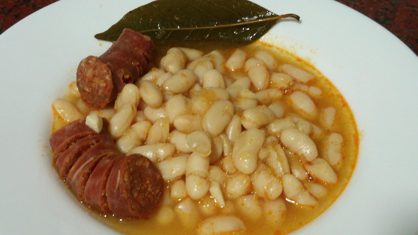 Las cosas de lorena jud as blancas estofadas con chorizo - Judias con chorizo y patatas ...