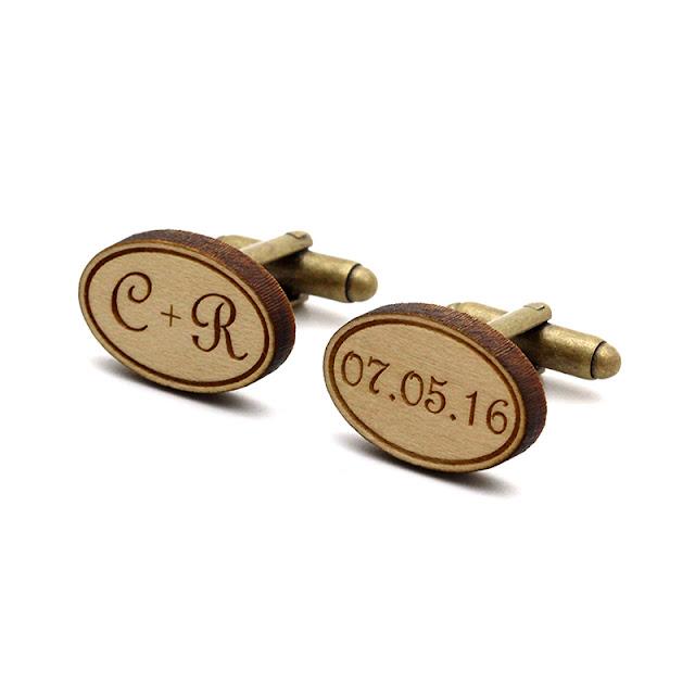 http://www.lesfollesmarquises.com/product/boutons-de-manchette-personnalises-initiales-date