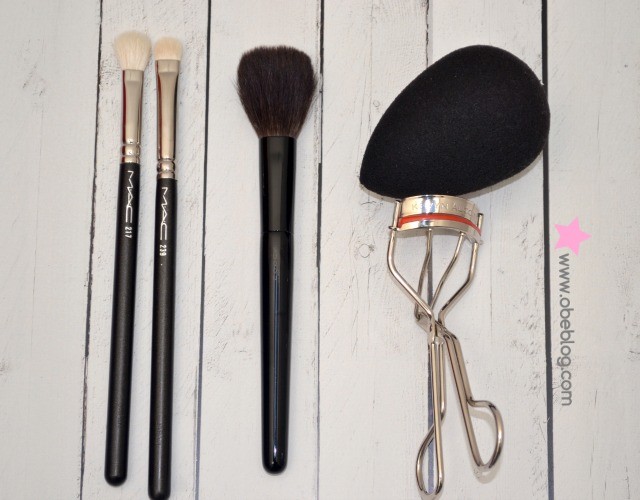 MY_TOP_MAKE_UP_TOOLS_ESSENTIALS_ObeBlog_01