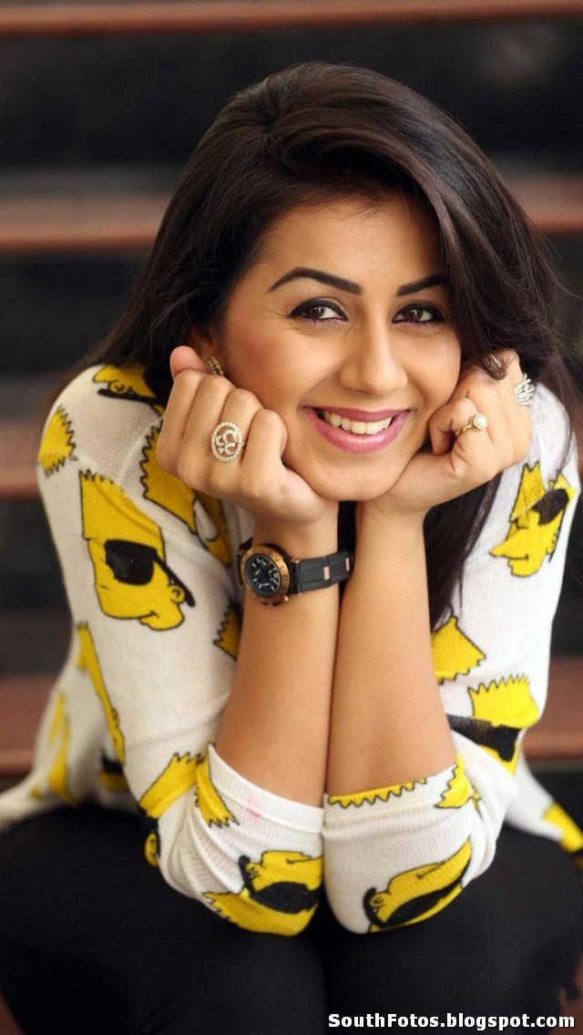 Nikki Galrani HD Pics