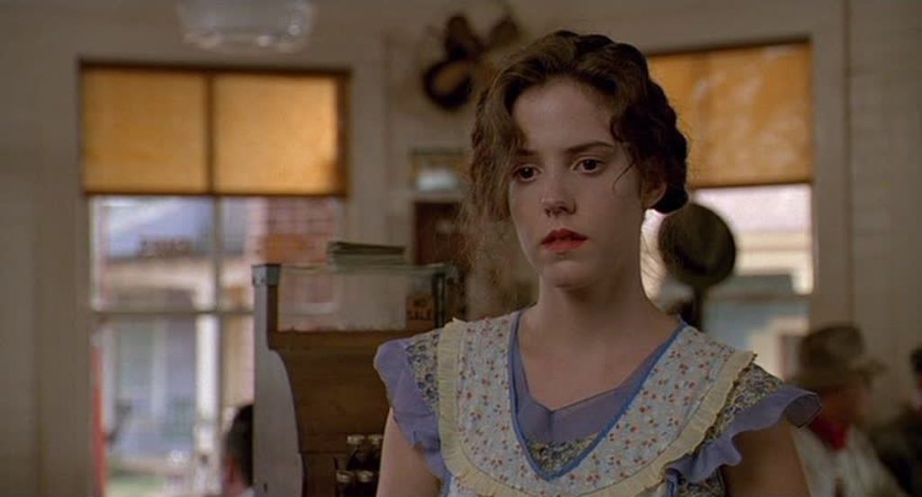 an analysis of the film fried green tomatoes directed by jon avnet 1991 The 1991 film fried green tomatoes, directed by jon avnet is an amazing tale of women empowermentthe film centers around a small town named whistle.