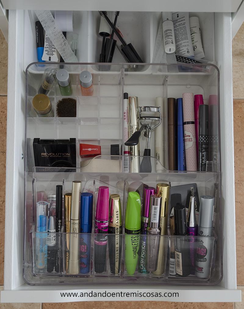 Organización de maquillaje 3