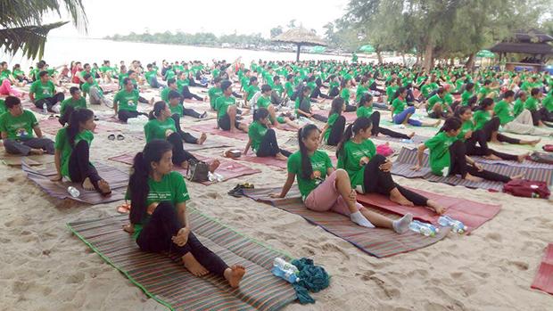 Deuxième Journée Internationale du Yoga à Sihanoukville