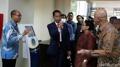 Cerita Presiden Jokowi Ada Investor Sampai Bawa 3 Koper Izin - Info Presiden Jokowi Dan Pemerintah
