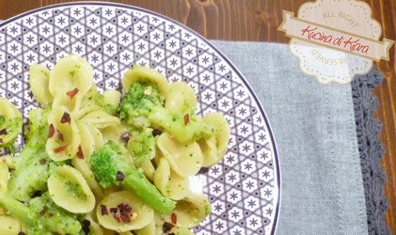 Orecchiette con broccoli e peperoncino