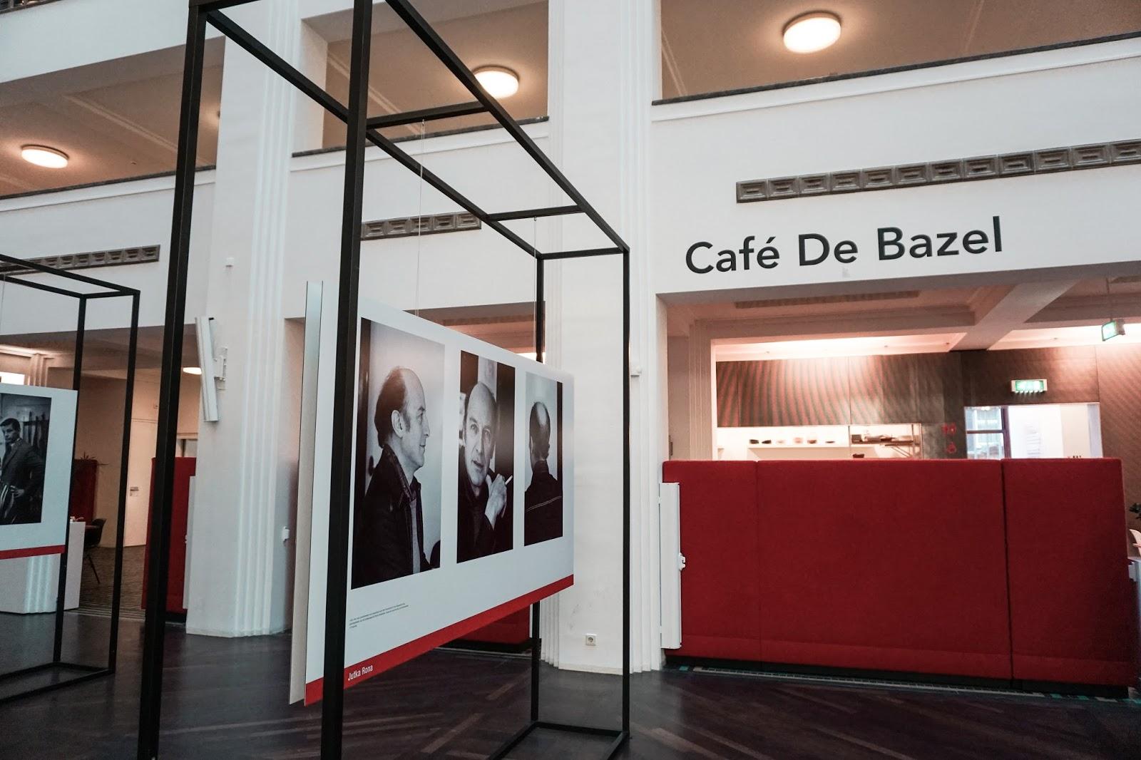 Amsterdam, Holandia, podróż do Amsterdamu, cafe de bazel, gdzie zjeść w Amsterdamie, gdzie niedrogo zjeść w Amsterdamie, Amsterdam polecane restauracje, blog podróżniczy, podróż do Holandii, architektura Amsterdamu, ile kosztują restauracje w Amsterdamie