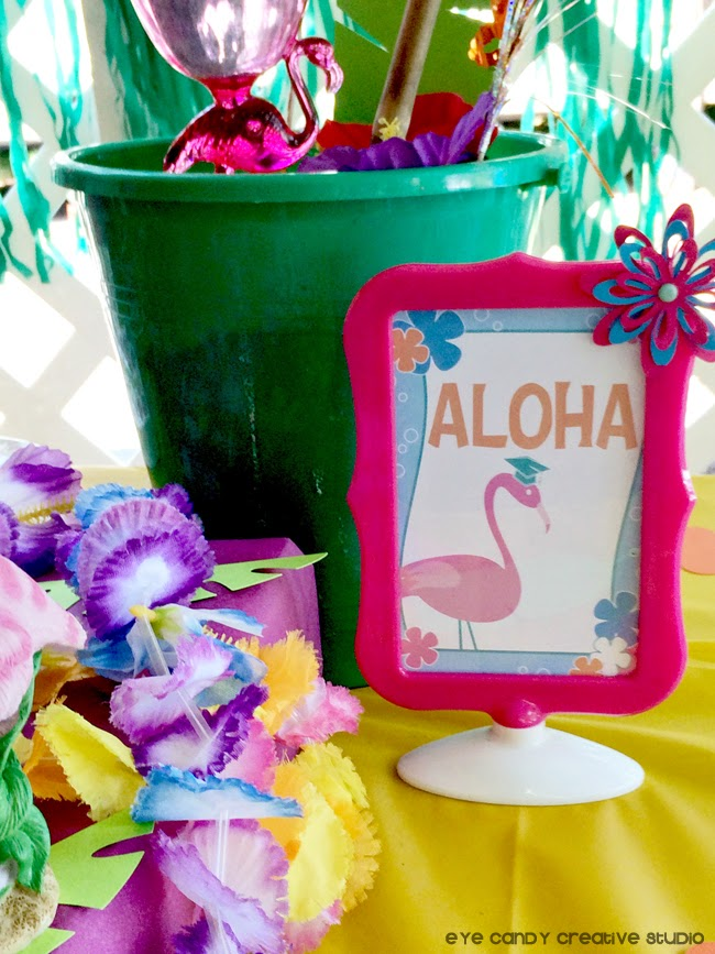 aloha sign, flamingo, ideas for a luau party, graduation paty idea, lei
