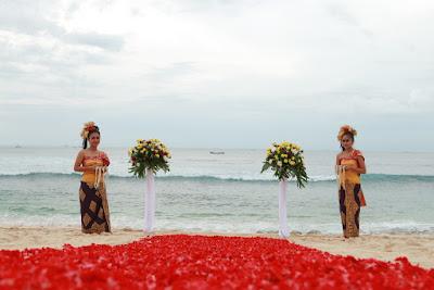 trip-wisata-bali-hemat-pantai-balangan-bali-wedding-di-pantai-balangan