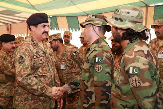 eneral Raheel Sharif, COAS spent his eid day with troops in South and North Wazirastan Agencies and at Bannu. In this picture he is meeting troops who are busy in operation Zarbe Azb at Miranshah.