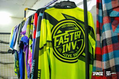 Faster Invader, Clothing Racing Dengan Desain Casual