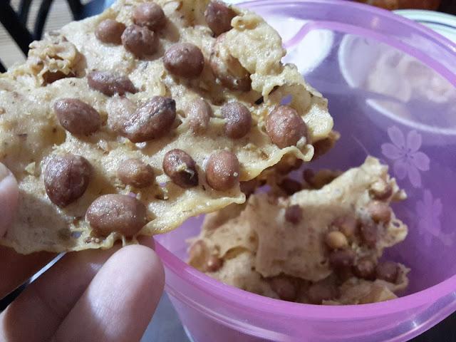Rempeyek Kacang Tanah Ikan Bilis Sedap